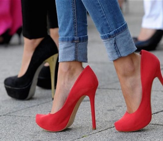 5 Risks of Wearing High Heels- Harmful Effects on Body